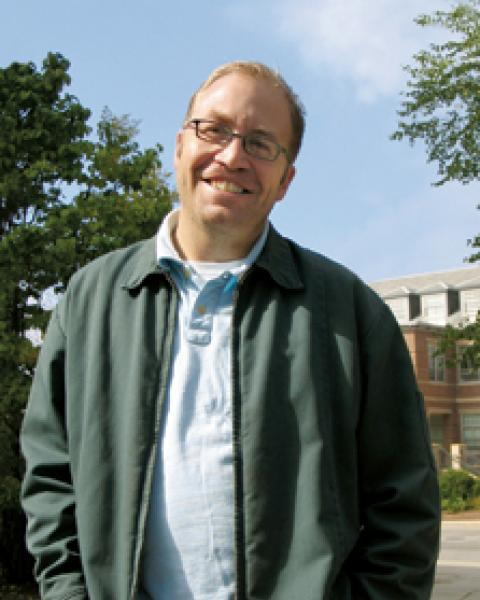 A headshot of Rob Braswell, a research associate professor in the Earth Systems Research Center.
