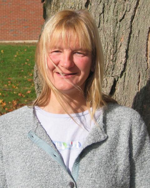 A headshot of Elizabeth Kintzing