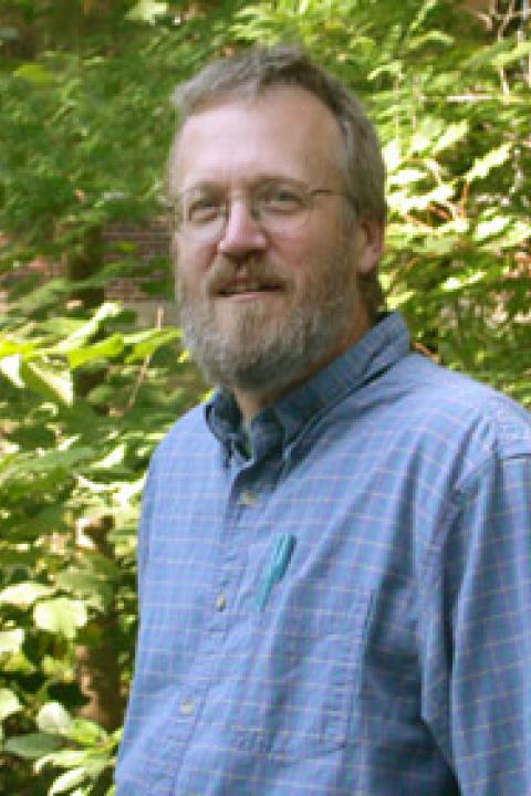 A headshot of Steve Frolking, a research professor in the Earth Systems Research Center.
